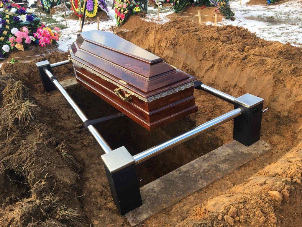 похороны в Фаниполе